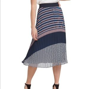 DKNY Pleated Mdi Skirt